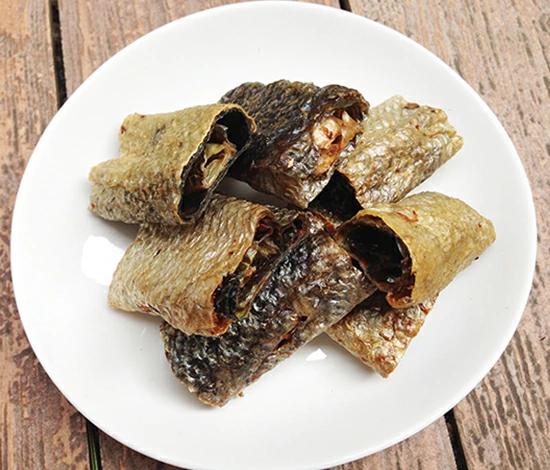 鮭皮ロールガム